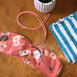 Gilly Hicks Floral Bikini Top - Sz L  EUC  💕☀️🌺